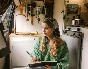 digital-nomad-diaries-freelance-writer-1
