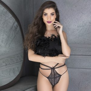 clovia-picture-lace-high-waist-thong-with-stringy-waist-618859-300x300