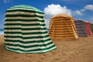 640-139680270-beach-tents
