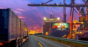 5f35804c054b09f2855b2cf3_Port-road-righthand-drive-ship-containers-700x371px